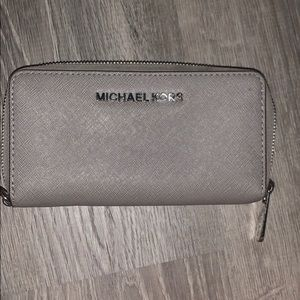 micheal kores wallet